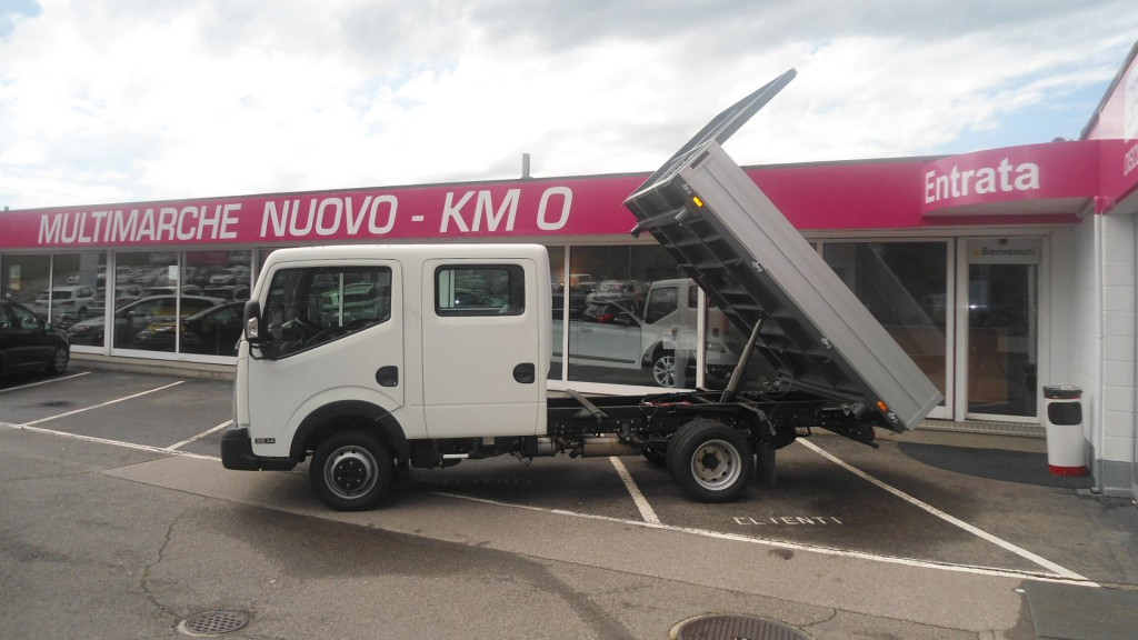 Nissan NT400 Cabstar 35.14 Doppia Cabina 136cv Ribaltabile trilaterale